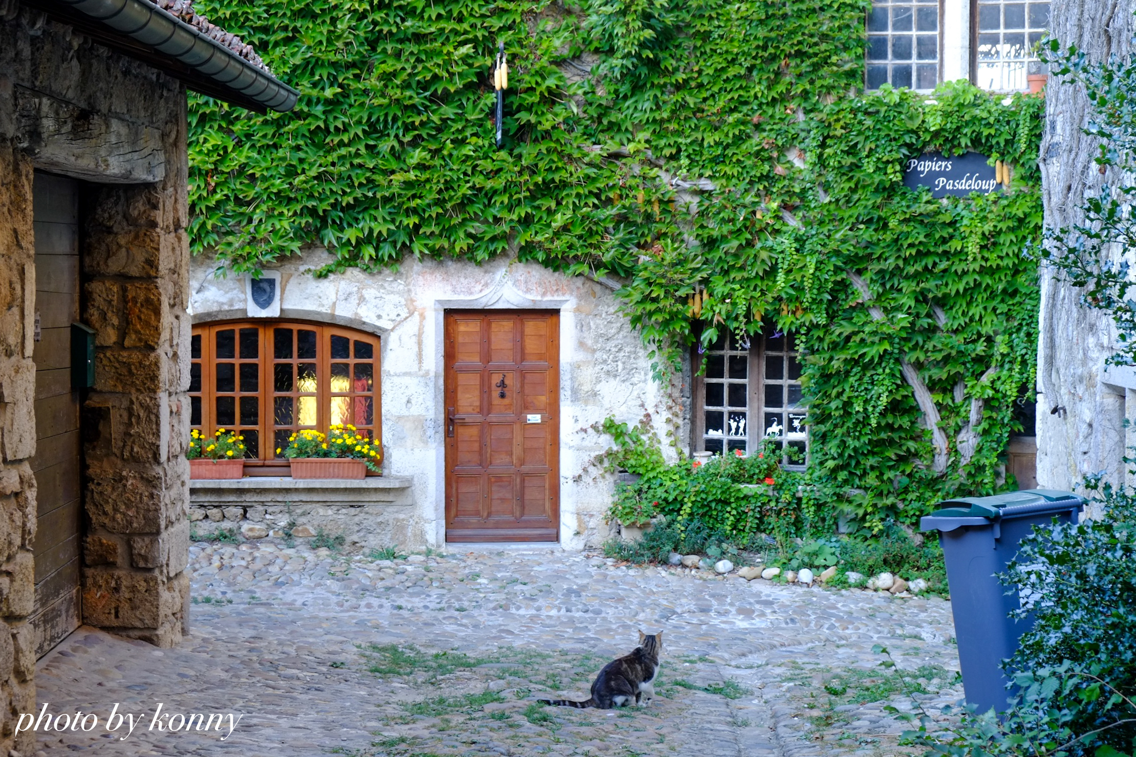 フランス 最も美しい村 ペルージュ
